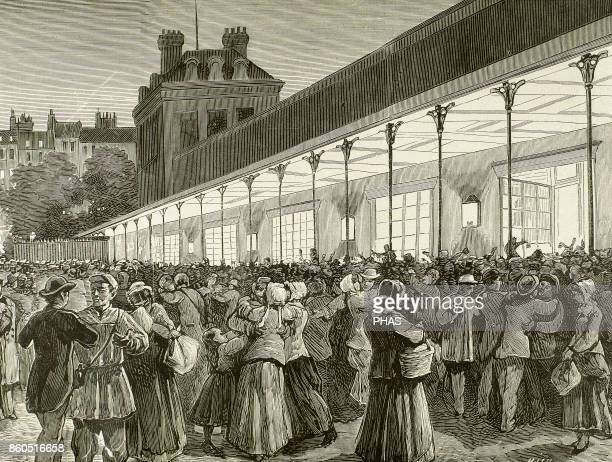 France Station of the line of Orleans Arrival of the first amnesties of the Paris Commune a workers' government constituted in 1871 after the power...