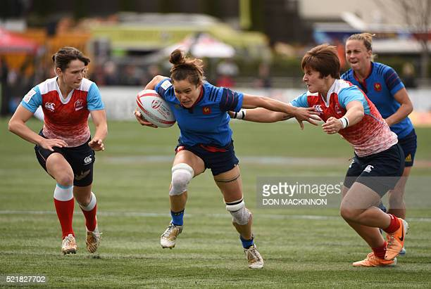 France vs Russia on the first day of HSBC World Rugby Womens Sevens Series in Langford BC on April 16 2016 / AFP PHOTO / Don MacKinnon