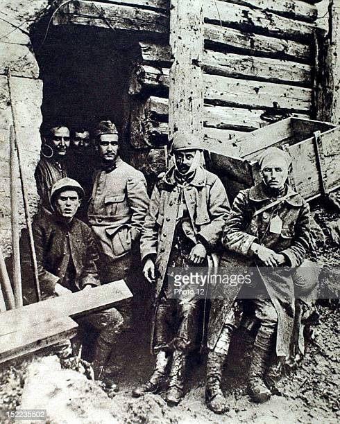France World War I Wounded in Le Bois de VauxChapitre two soldiers at the Tavannes ambulance