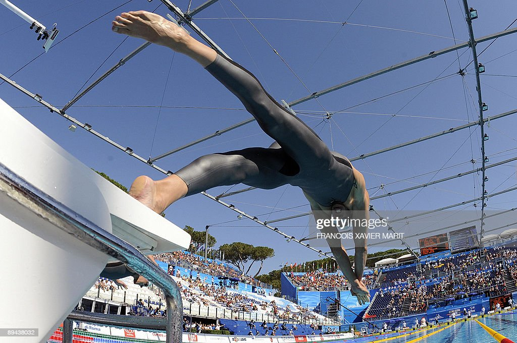 France's <a gi-track='captionPersonalityLinkClicked' href=/galleries/search?phrase=Alain+Bernard+-+Schwimmer&family=editorial&specificpeople=775873 ng-click='$event.stopPropagation()'>Alain Bernard</a> competes during the men's 100m freestyle qualifications on July 29, 2009 at the FINA World Swimming Championships in Rome. TOPSHOTS AFP PHOTO / FRANCOIS XAVIER MARIT