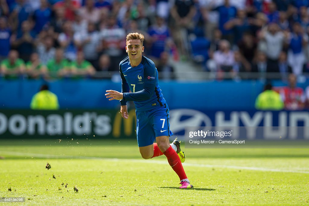 France's <a gi-track='captionPersonalityLinkClicked' href=/galleries/search?phrase=Antoine+Griezmann&family=editorial&specificpeople=7197539 ng-click='$event.stopPropagation()'>Antoine Griezmann</a> celebrates scoring his sides second goal during the UEFA Euro 2016 Round of 16 match between France v Republic of Ireland at Stade de Lyon on June 26 in Lyon, France.