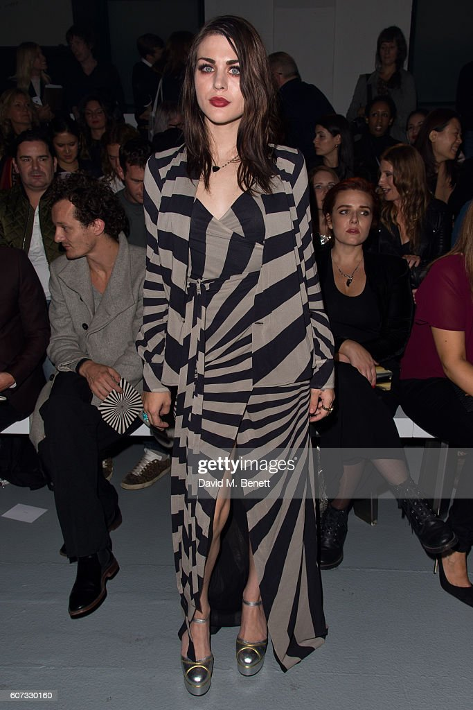 Frances Bean Cobain attends the Gareth Pugh runway show during London Fashion Week Spring/Summer collections 2017 on September 17, 2016 in London, United Kingdom.