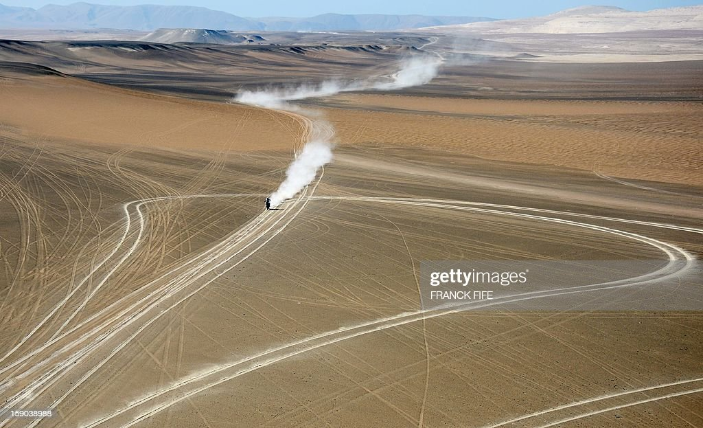 France's David Casteu rides his Yamaha during the Stage 2 of the Dakar 2013 in Pisco, Peru, on January 6, 2013. The rally will take place in Peru, Argentina and Chile from January 5 to 20.