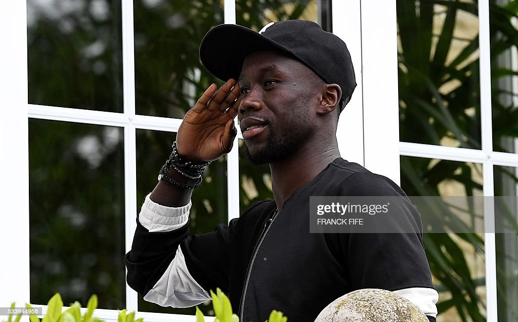 France's defender Bacary Sagna arrives at the French national football team training base in Clairefontaine on May 24, 2016, as part of the team's preparation for the upcoming Euro 2016 European football championships. / AFP / FRANCK