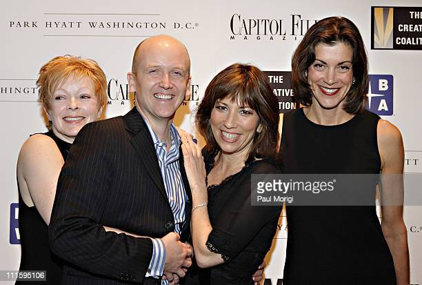 Frances Fisher Steve Lipscomb Robin Bronk and Wendie Malick