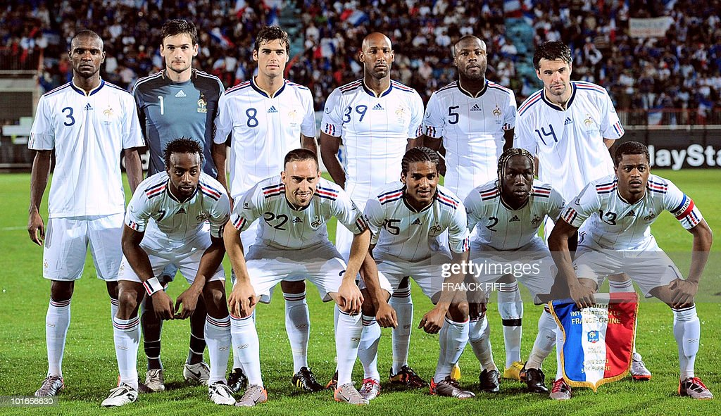 France's football national team pose before the friendly football match France vs China at the Michel Volnay Stadium in Saint-Pierre, on the French Indian Ocean island of La Reunion, on June 4, 2010 ahead of the FIFA 2010 World Cup in South Africa. China won 0-1.