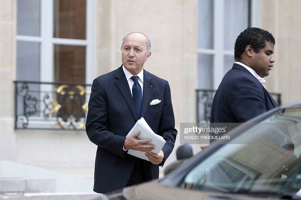 France's Foreign minister Laurent Fabius leaves the Elysee presidential Palace on January 18, 2013 in Paris after attending a fifth Defence Council since French forces back the Malian army against Islamist rebels.