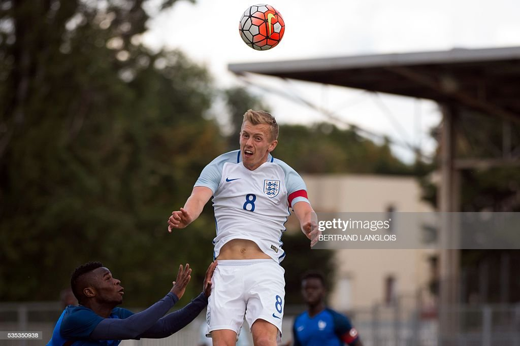 France's forward Abdou Diallo (L) vies with England's midfielder and captain James Ward-Prowse during the Festival International Espoirs Under 21 football match final France vs England at the Parc des Sports stadium in Avignon, southern France, on May 29, 2016. / AFP / BERTRAND