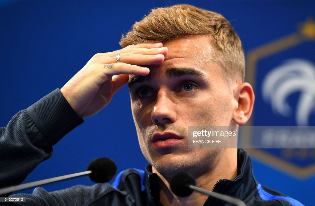 France's forward Antoine Griezmann attends a press conference in Clairefontaine en Yvelines on June 27, 2016, during the Euro 2016 football tournament. / AFP / FRANCK