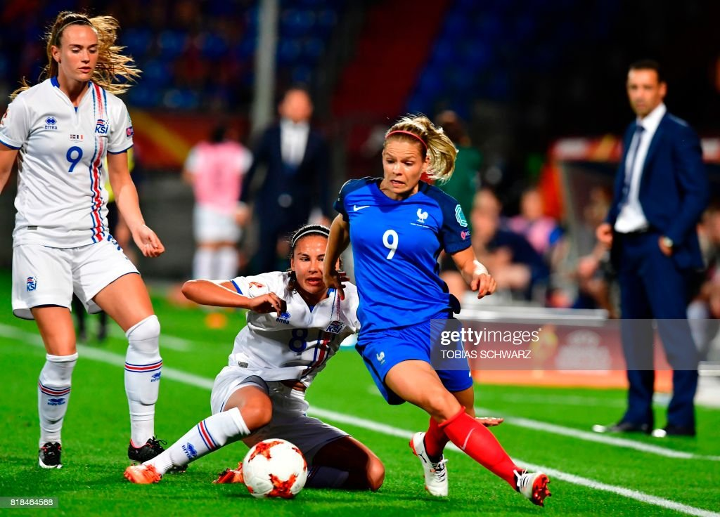 France's forward Eugenie Le Sommer (R) outruns Iceland's midfielder Sigridur Gardarsdottir during the UEFA Women's Euro 2017 football tournament match between France and Iceland at Stadium Koning Wilhelm II in Tilburg on July 18, 2017. /