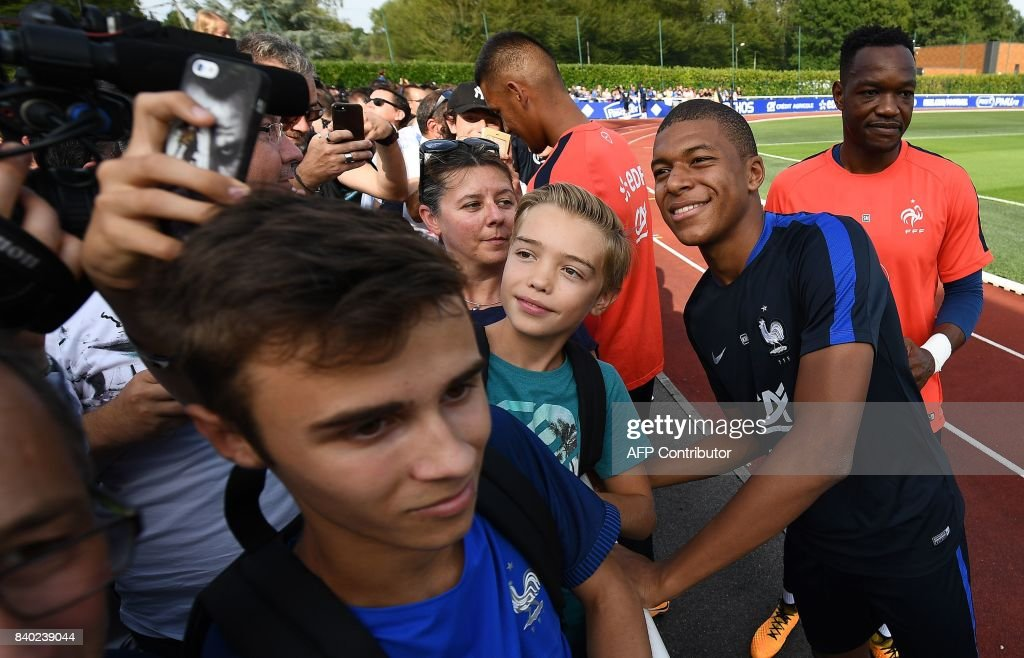 Soccer France Team - Clairefontaine
