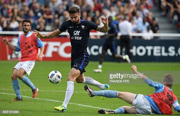 France's forward Olivier Giroud controls the ball during the friendly football match between French national football team and Bayonne at the...