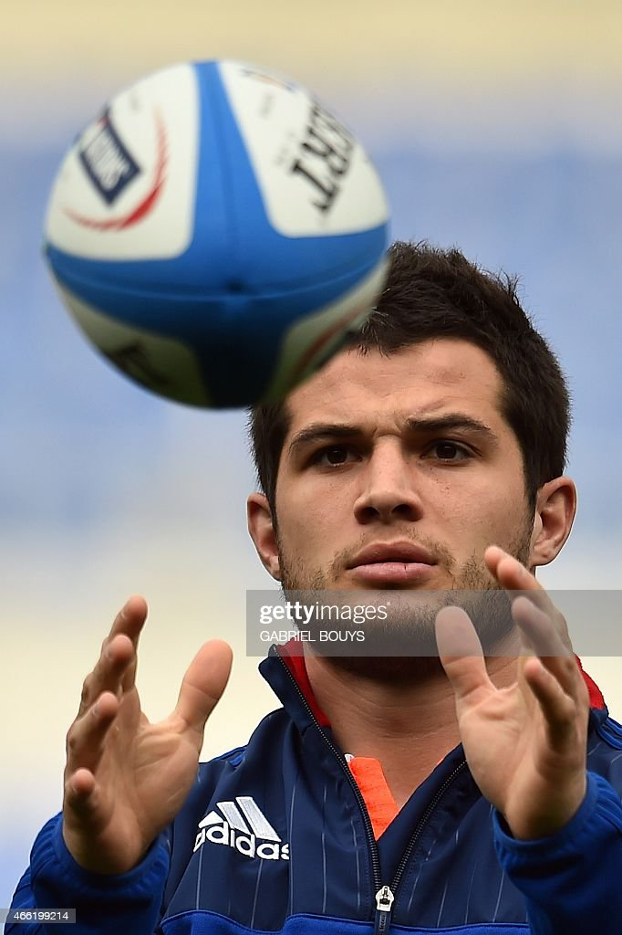France's fullback Brice Dulin attends the captain's run, on March 14, 2015, at the Olympic Stadium in Rome, on the eve of the Six Nations International Rugby Union match between Italy and France.