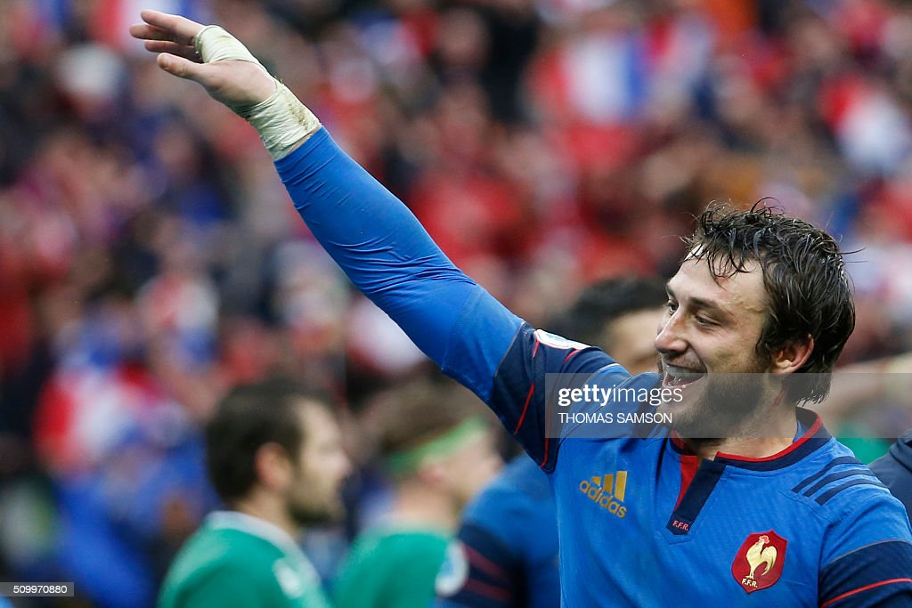 France's fullback Maxime Medard celebrates after scoring the winning try during the Six Nations international rugby union match between France and Ireland at the Stade de France Stadium in Saint-Denis, north of Paris, on February 13, 2016. AFP PHOTO / THOMAS SAMSON / AFP / THOMAS SAMSON