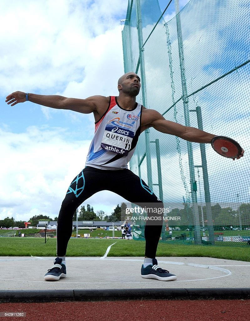 France's Gael Querin competes in the discus throw during French Athletics Elite championships on June 25, 2016 at 'Lac de Maine' stadium in Angers, western France. / AFP / JEAN