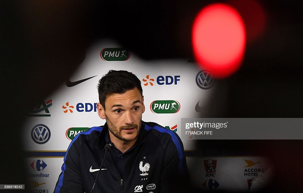 France's goalkeeper Hugo Lloris speaks during a press conference at the Beaujoire Stadium in Nantes, western France, on May 29, 2016, on the eve of the friendly football match France versus Cameroun as part of the team's preparation for the upcoming Euro 2016 European football championships. / AFP / FRANCK