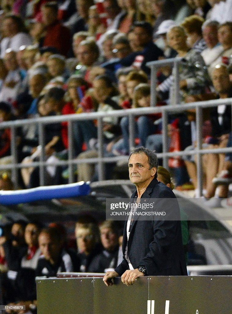 France's head coach Bruno Bini looks on during the UEFA Women's European Championship Euro 2013 quarter final football match France vs Denmark on July 22, 2013 in Linkoping, Sweden.