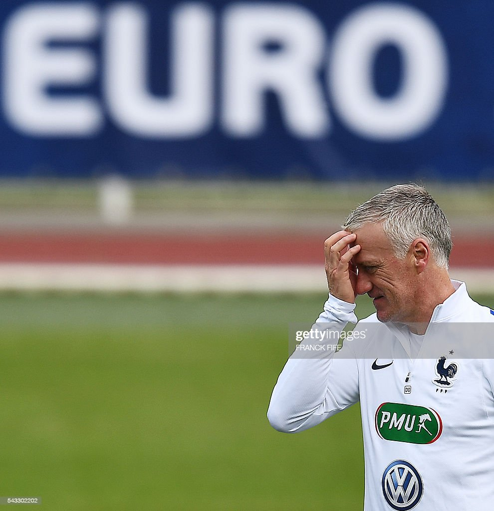 France's head coach Didier Deschamps reacts during a training session in Clairefontaine-en-Yvelines, southwest of Paris, on June 6, 2016, during the Euro 2016 football tournament. / AFP / FRANCK