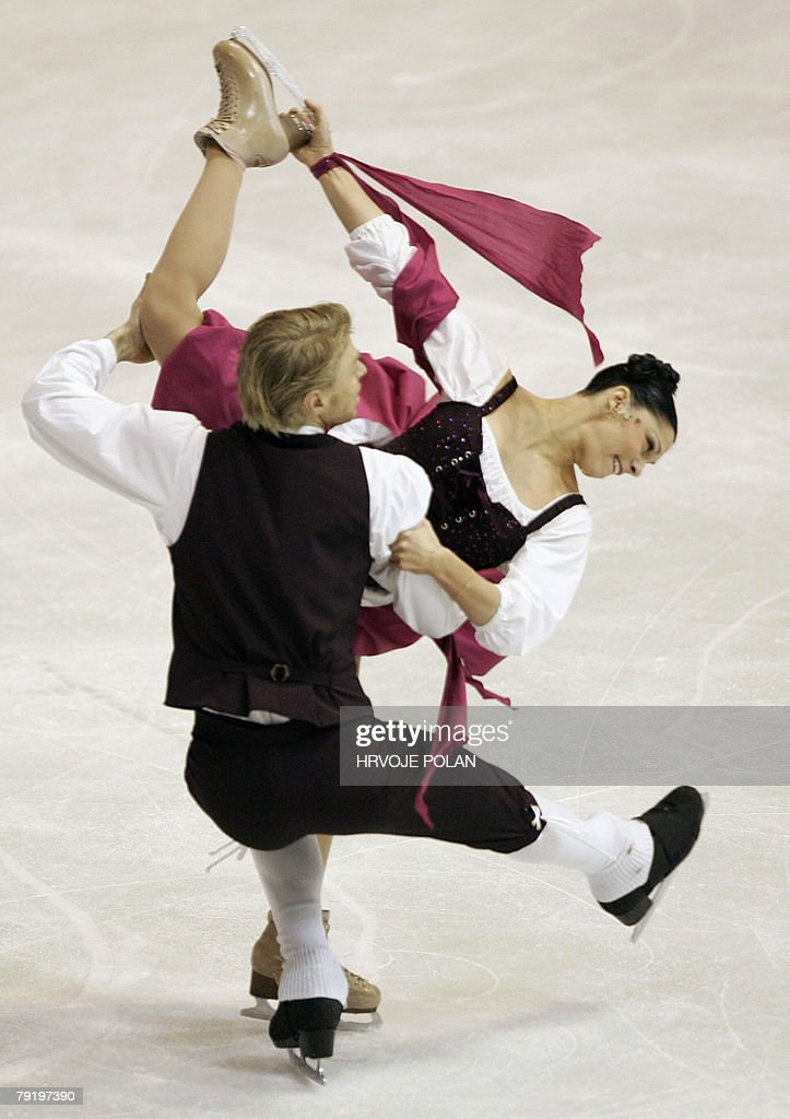 France's Isabelle Delobel and Olivier Schoenfelder perform their original dance at the Dom Sportova Arena in Zagreb, 24 January 2008, during the European Figure Skating Championships 2008.