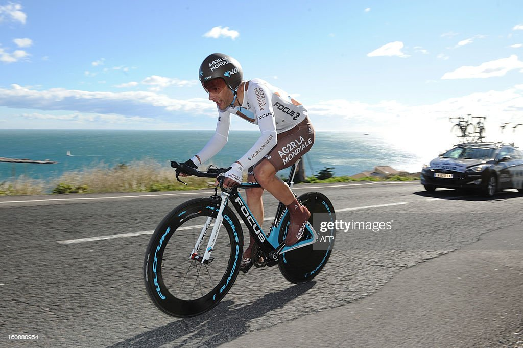 France's Jean-Christophe Peraud competes during the second stage, a 24km individual time trial, of the 40th edition of the Tour Mediterraneen cycling race from Cap d'Agde to Sete on February 7, 2013 in Sete, southern France. Netherland's Lars Boom won the stage and leads the race.