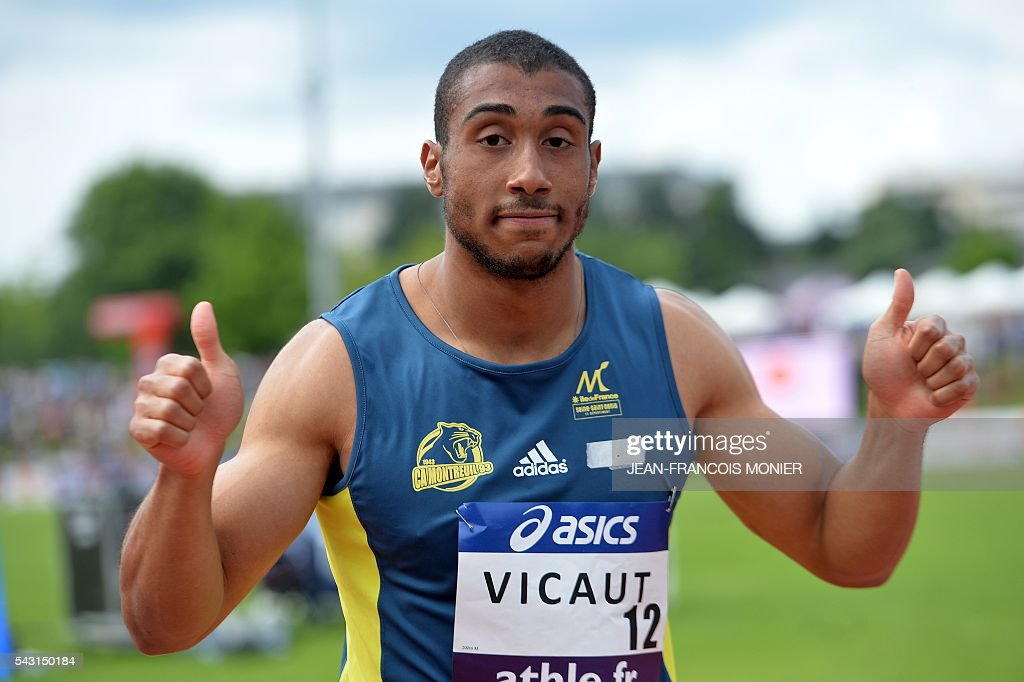 France's Jimmy Vicaut gestures after winning the men's 200 m race during the men's Pole Vault Final at the French Athletics Elite championships on June 26, 2016 at the Lac de Maine stadium in Angers, western France. / AFP / JEAN