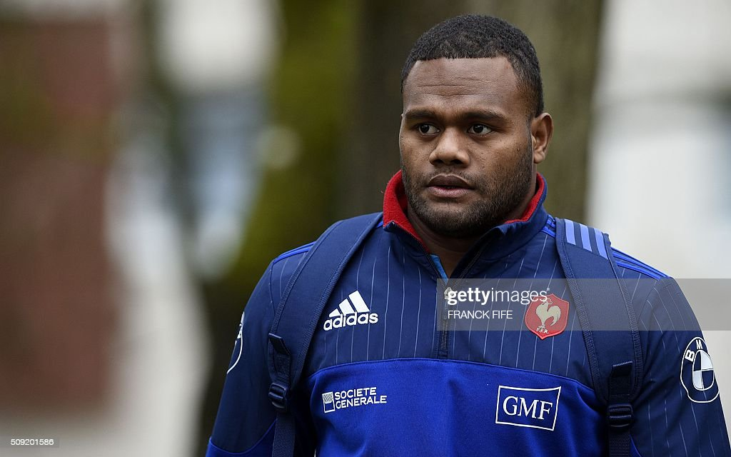 Frances left wing Virimi Vakatawa arrives for a training session in Marcoussis, south of Paris, on February 9, 2016, ahead of the Six Nations international rugby union match between France and Irland. / AFP / FRANCK FIFE