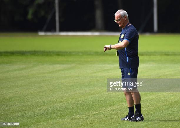France's Ligue 1 football club FC Nantes' Italian coach Claudio Ranieri looks at his watch during a training session at the FC Nantes headquarters on...