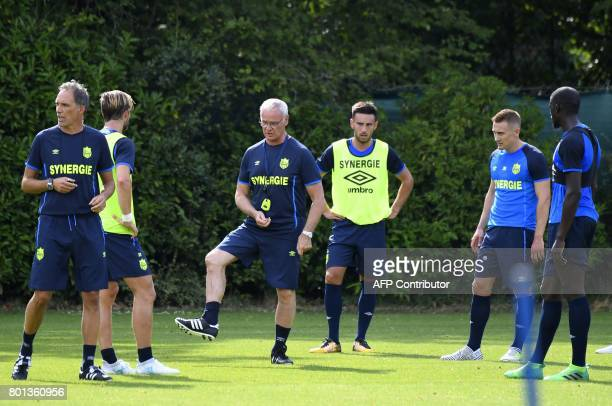 France's Ligue 1 football club FC Nantes' Italian coach Claudio Ranieri speaks to players during a training session at the FC Nantes headquarters on...