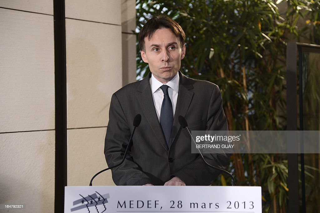 France's MEDEF employers' association national secretary Hubert de l'Estoile speaks during a press conference on March 28, 2013 at the Medef headquarters in Paris, after the executive board rejected a proposition to change the union's status and allow its president to bring a third mandate.