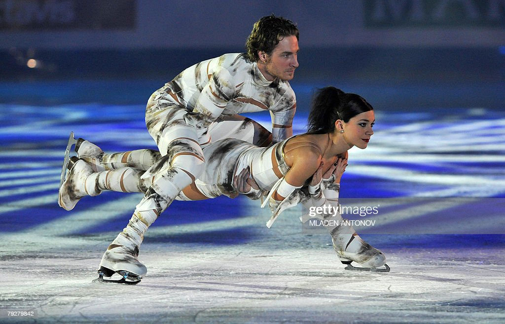 France's Nathalie Pechalat and Fabian Bourzat perform an exhibition program at the Dom Sportova Arena in Zagreb 27 January 2008 during the gala of...