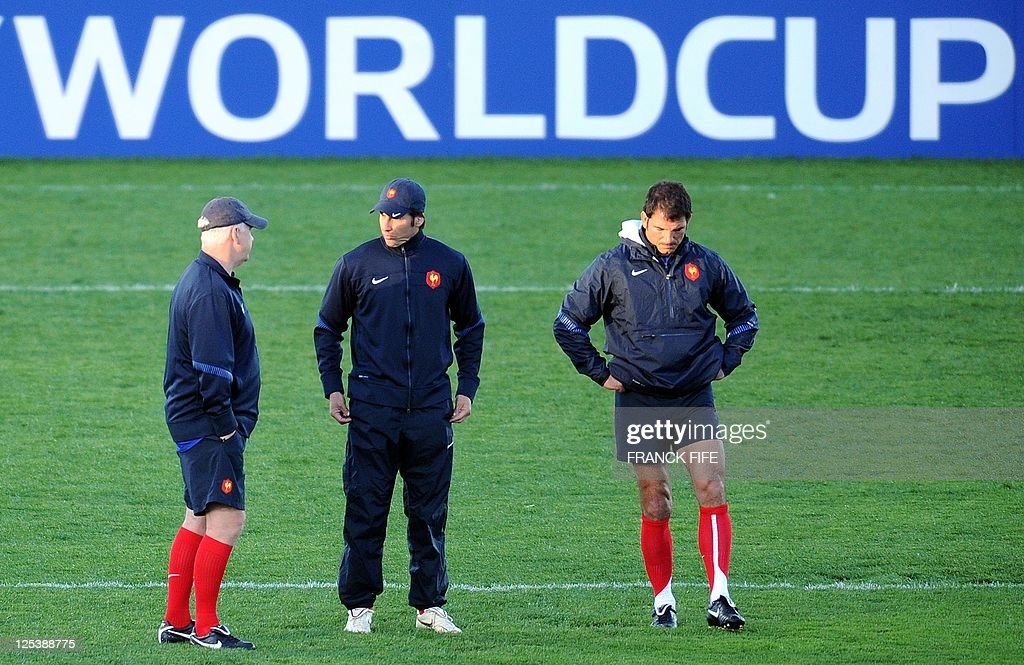 France's national rugby union team British coach assistant David Ellis, kicking coach Gonzalo Quesada and head coach Marc Lievremont take part at a Captain's Run at the McLean Park stadium in Napier on September 17, 2011 during the 2011 Rugby World Cup.
