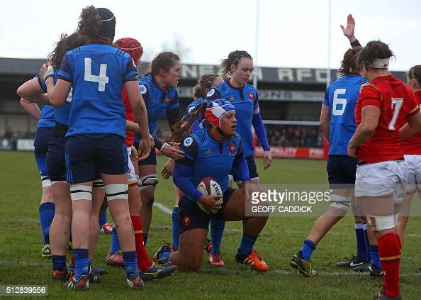 France 39 s number 8 safi n 39 diaye c scores a try during the for The woman in number 6