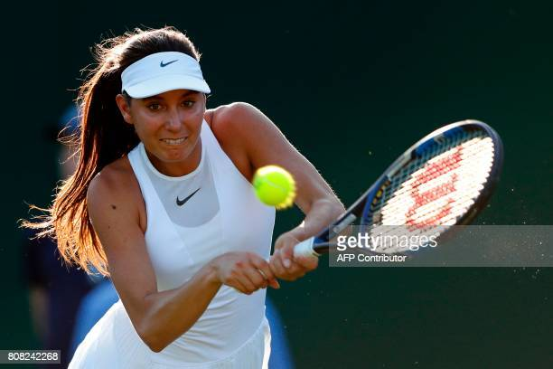 Océane Dodin - Page 4 Frances-oceane-dodin-returns-against-czech-republics-lucie-safarova-picture-id808242268?s=612x612