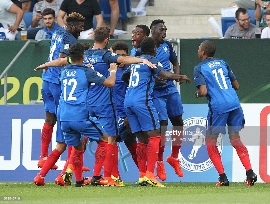 FBL-U19-FRANCE-ITALY : News Photo