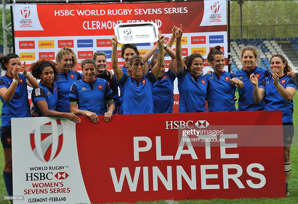 France's players pose after taking fifth place in the tournament at the end of the World Rugby Women's Sevens Series on May 29, 2016 at the Gabriel Montpied stadium in Clermont-Ferrand, central France, on May 29, 2016.