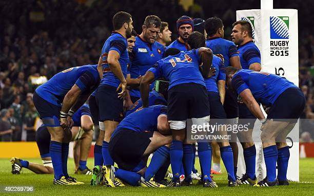 Frances players react after Ireland's fullback Rob Kearney scores his team's first try during a Pool D match of the 2015 Rugby World Cup between...