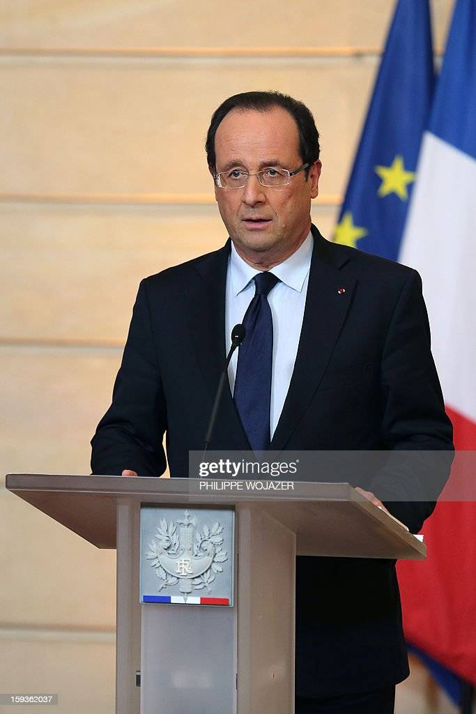France's President Francois Hollande delivers a statment on the situation in Mali at the Elysee Palace in Paris, on January 11, 2013. French troops are actively supporting an offensive by Mali government forces against Islamists who control the north of the country, President Francois Hollande announced. AFP PHOTO POOL PHILIPPE WOJAZER