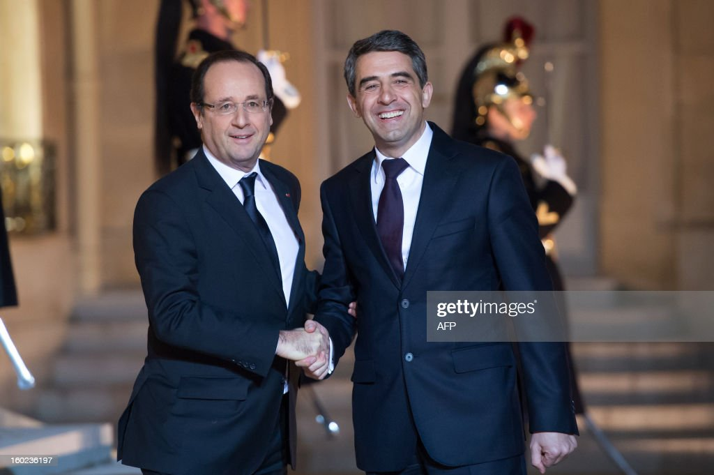 France's President Francois Hollande (L) shakes hands with Bulgaria's President Rosen Plevneliev prior to a meeting at the Elysee presidential palace in Paris on January 28, 2013.