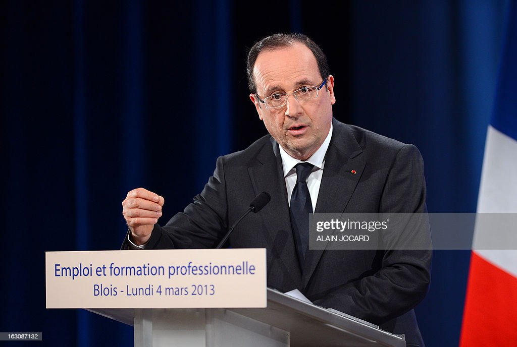 France's president François Hollande delivers a speech during a visit focused on employment and professional eduction on March 4, 2013 in Blois.