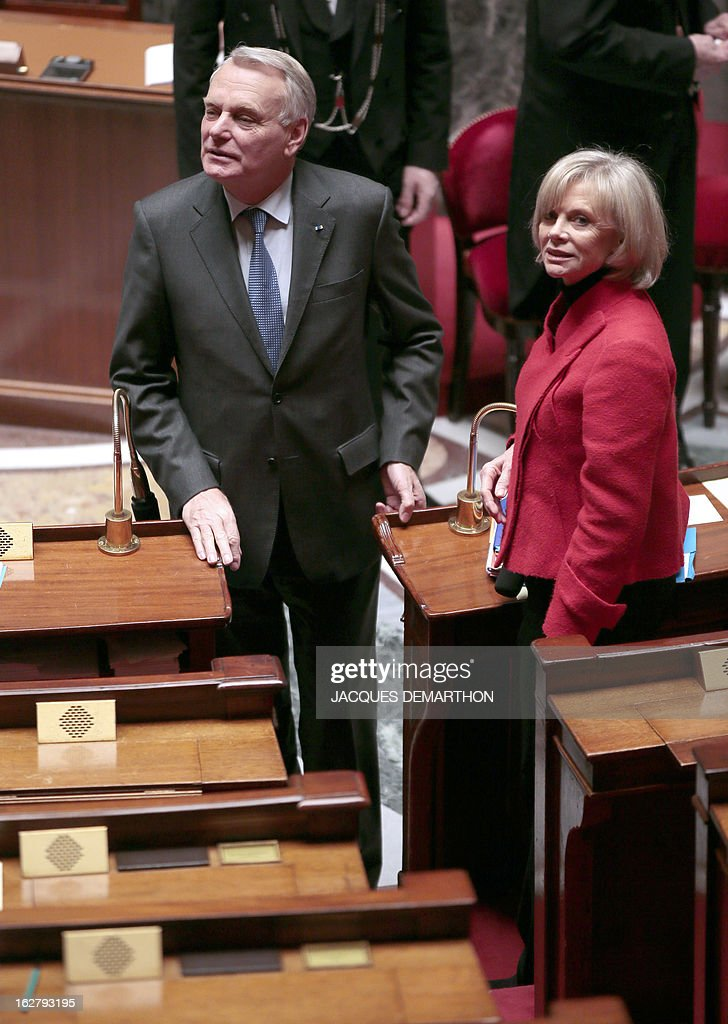France's Prime Minister Jean-Marc Ayrault (R) and the President of the Foreign Affairs Commission Elisabeth Guigou arrive for a debate on Mali, on February 27, 2013 at the National Assembly in Paris.
