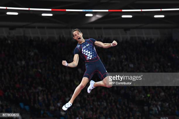 TOPSHOT France's Renaud Lavillenie competes in the final of the men's pole vault athletics event at the 2017 IAAF World Championships at the London...