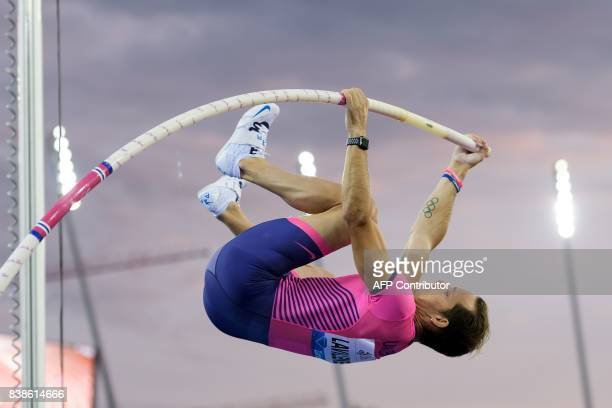 France's Renaud Lavillenie competes in the pole vault during the IAAF Diamond League Athletics Weltklasse meeting in Zurich on August 24 2017 / AFP...