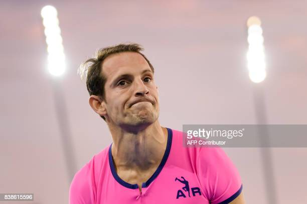 France's Renaud Lavillenie looks on as he competes in the pole vault during the IAAF Diamond League Athletics Weltklasse meeting in Zurich on August...
