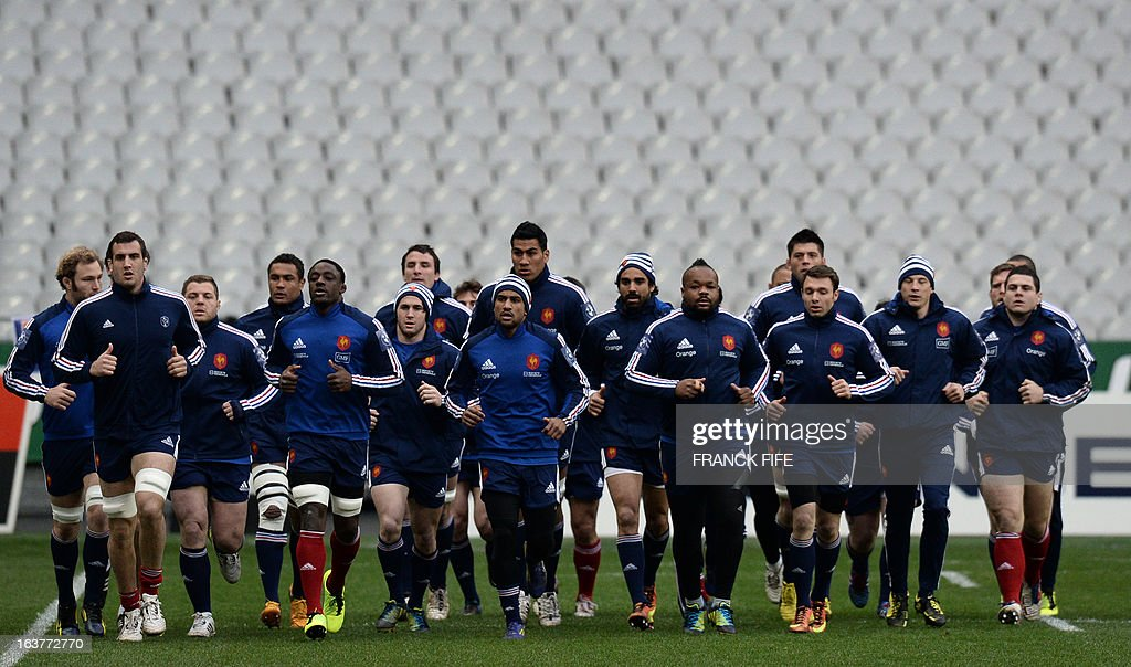 France's rugby union national team players run during a training session, on March 15, 2013 at the Stade de France in Saint-Denis, north of Paris, on the eve of the rugby union 6 Nations tournament match against Scotland.