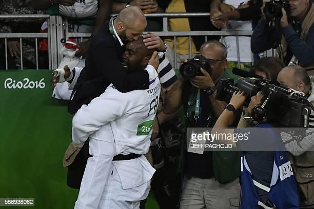 TOPSHOT France's Teddy Riner celebrates defeating Japan's Hisayoshi Harasawa during the men's judo 100kg final gold medal contest at the Rio 2016...