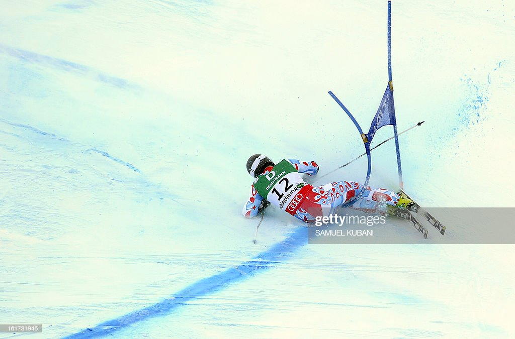 France's Thomas Fanara falls during the first run of the men's Giant slalom at the 2013 Ski World Championships in Schladming, Austria on February 15, 2013. AFP PHOTO/SAMUEL KUBANI