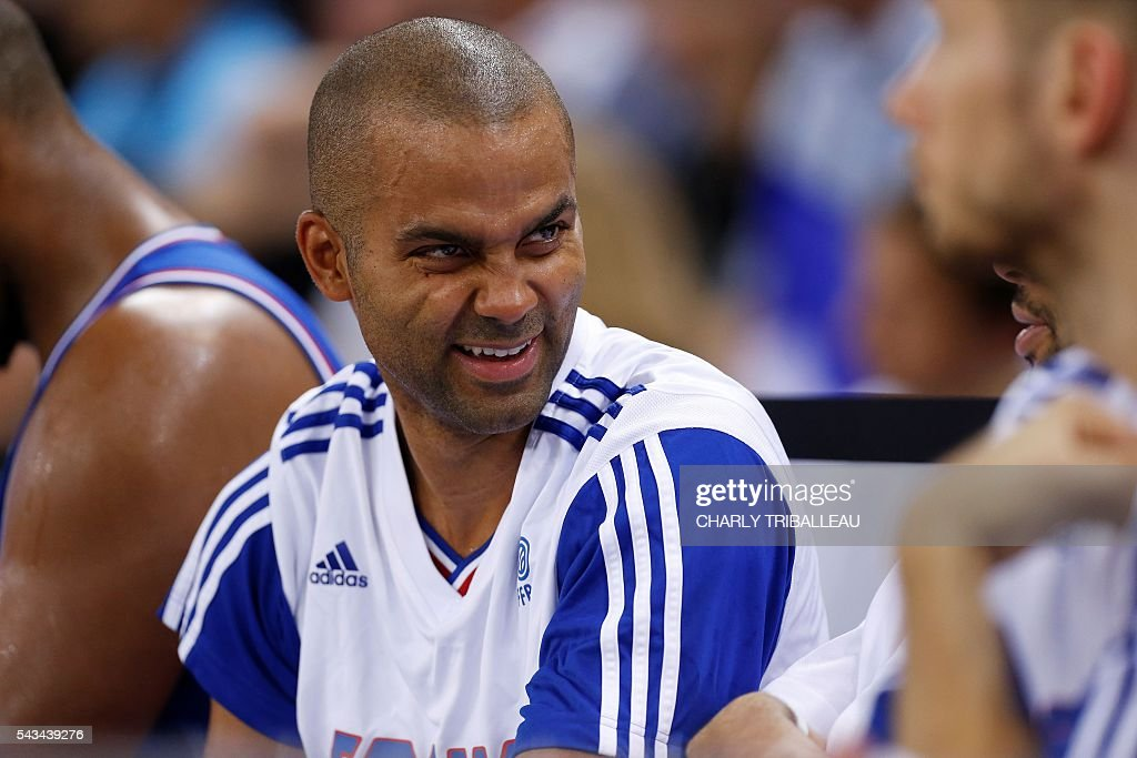 France's Tony Parker reacts during the friendly basketball match between France and Japan at the Kindarena hall in Rouen on June 28, 2016. / AFP / CHARLY