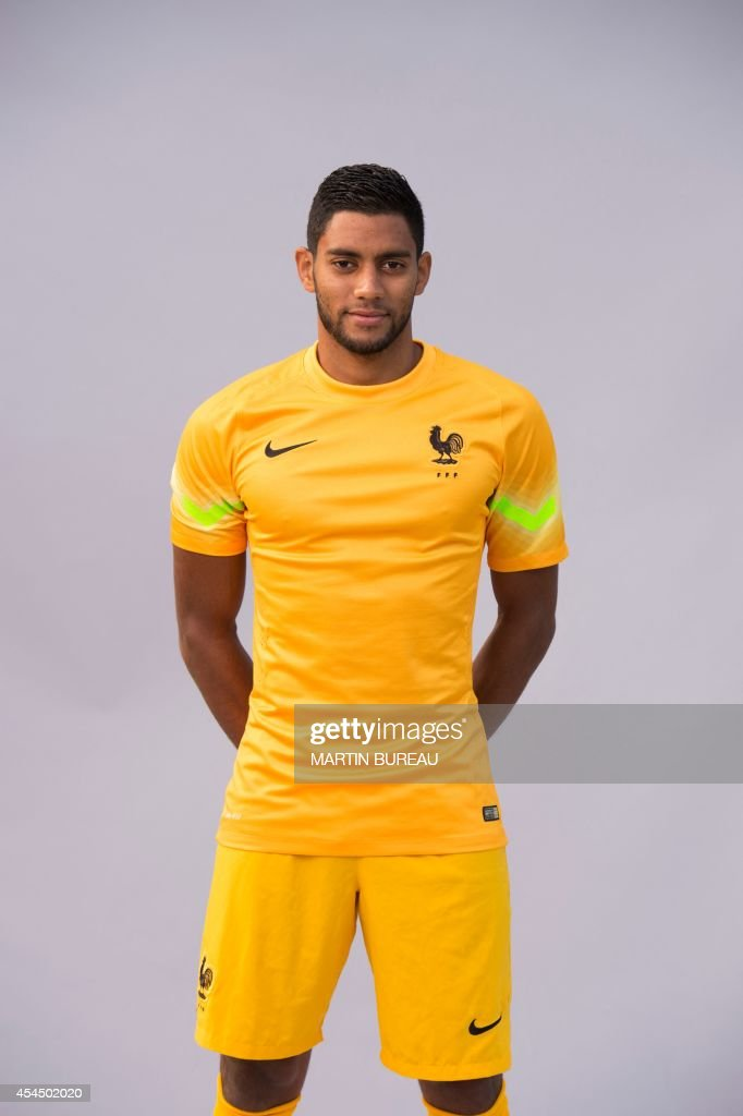 France's under 21 national football team's goalkeeper, Zacharie Boucher, poses on September 2, 2014 at the team's training base in Clairefontaine-en-Yvelines, outside Paris.