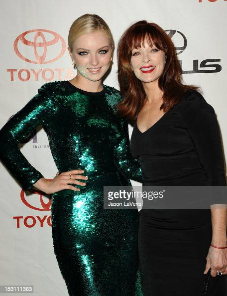 Frances Fisher Stock Photos and Pictures | Getty Images