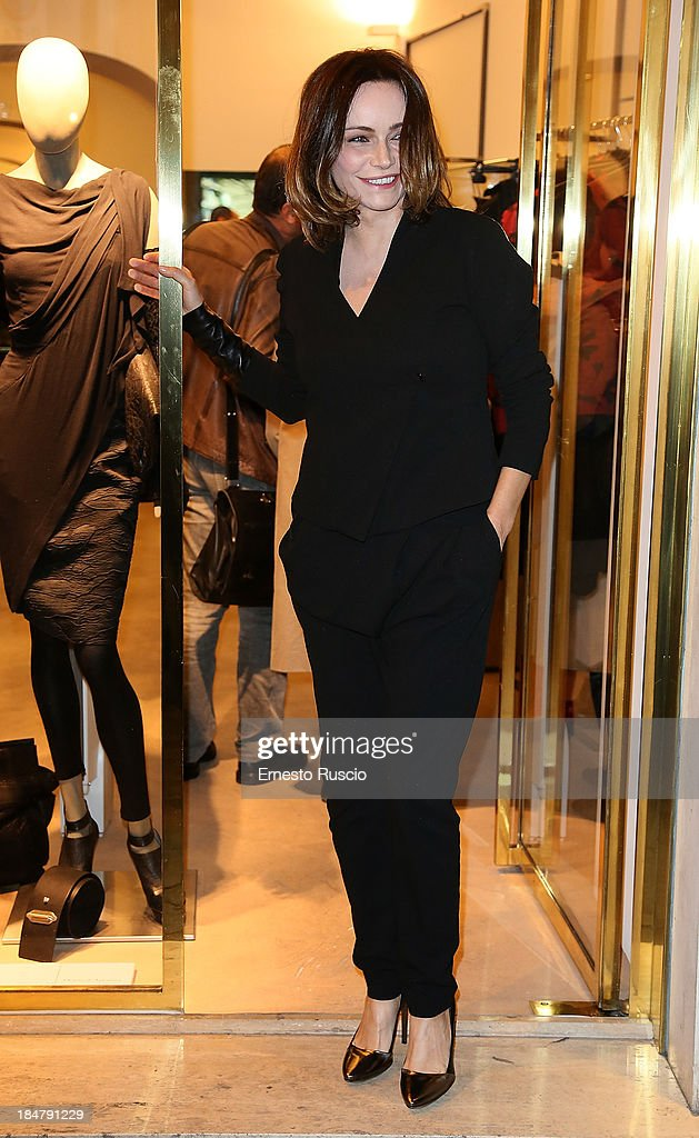 <a gi-track='captionPersonalityLinkClicked' href=/galleries/search?phrase=Francesca+Neri&family=editorial&specificpeople=2154202 ng-click='$event.stopPropagation()'>Francesca Neri</a> attends the Malloni Boutique opening at Via Della Croce on October 16, 2013 in Rome, Italy.